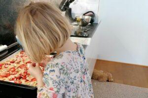 Der Teppich ist die Grenze, denn in die Küche darf ich nicht